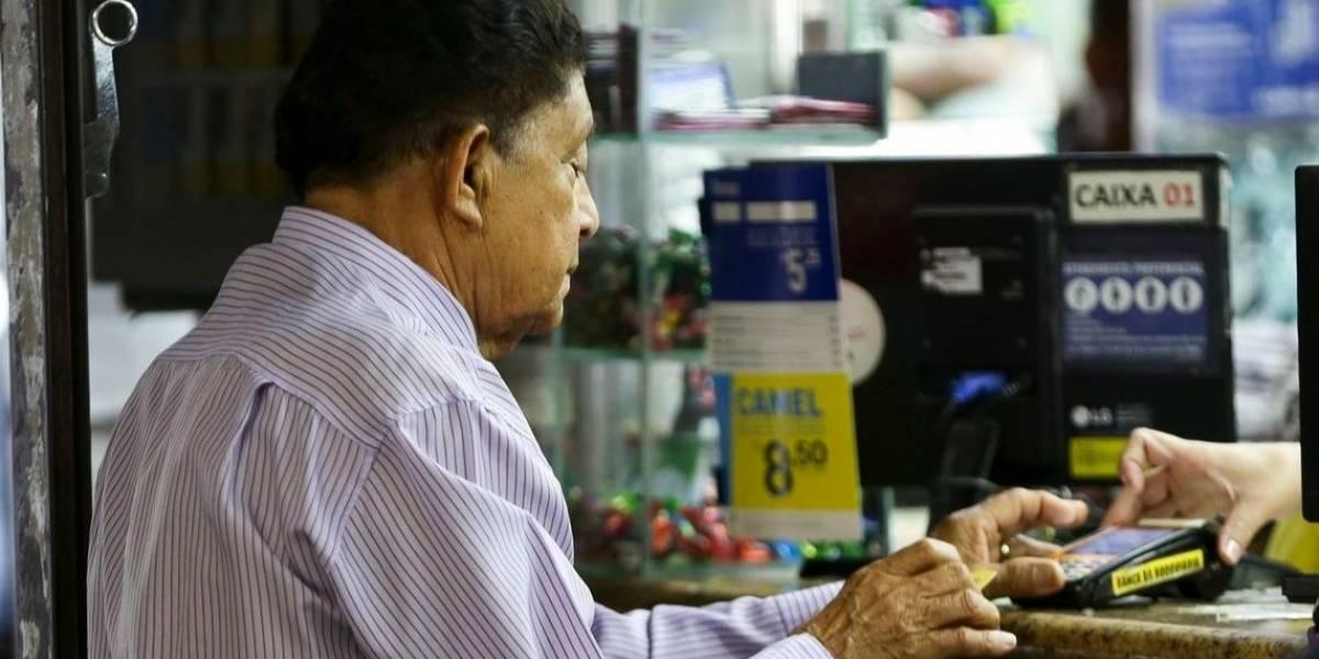 Dez bancos serão investigados por supostos abusos na oferta de consignado a idoso