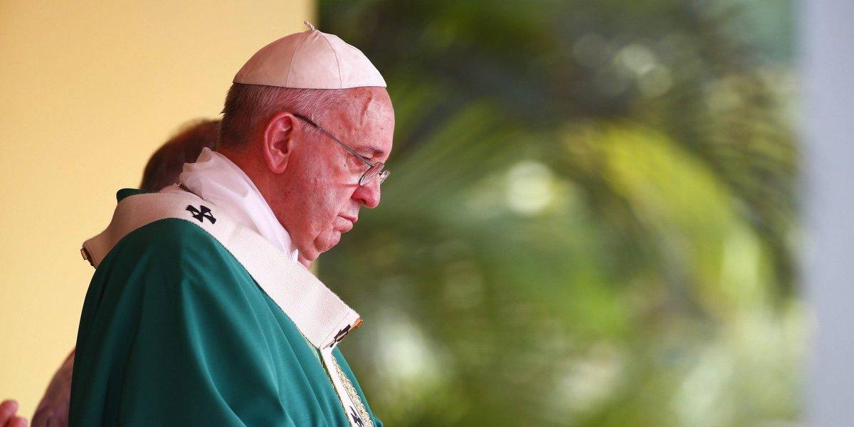Papa Francisco emite decreto para denunciar abusos sexuales