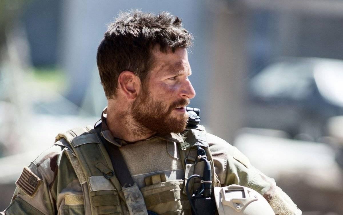 Ele foi o protagonista de Sniper Americano (2014), maior filme de guerra da história do cinema em bilheteria Divulgação