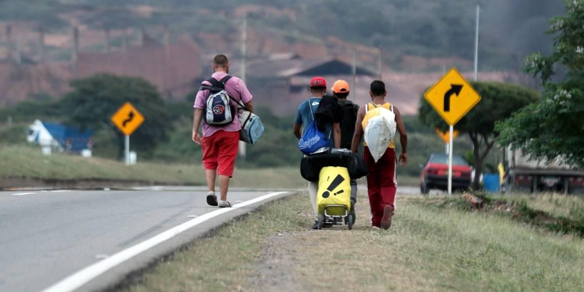 Colombia amplía por dos años la vigencia de pasaportes venezolanos vencidos