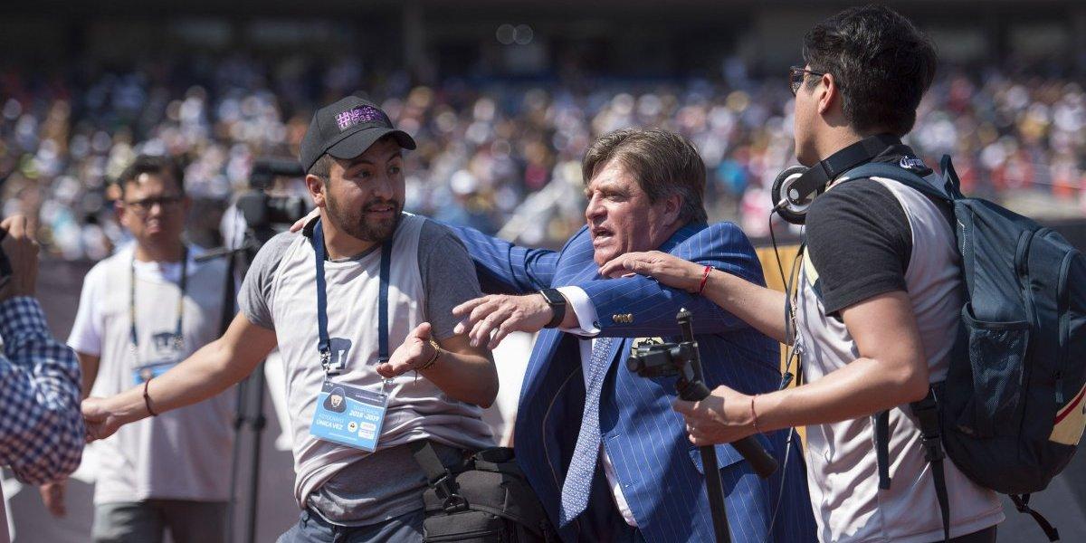 'Fotógrafo' que insultó al 'Piojo' es gerente de ventas