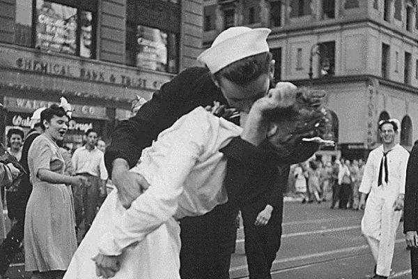 beijo ii guerra mundial