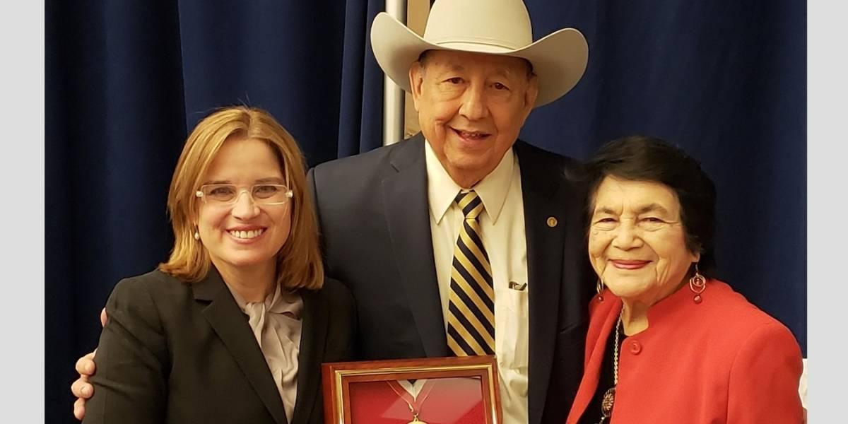 Entregan medalla de honor a Carmen Yulín