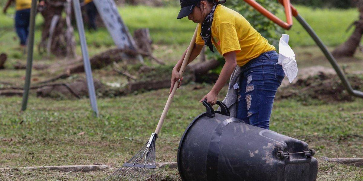 Siguen acondicionando parques y áreas recreativas de San Juan