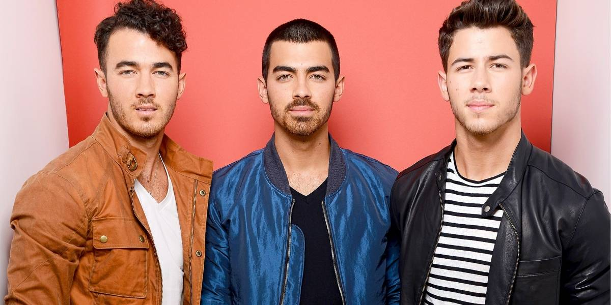 É oficial! Jonas Brothers lançarão música nova nesta sexta-feira