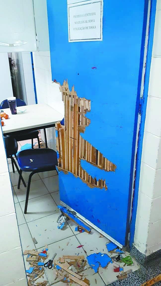Escola vandalizada Santo André