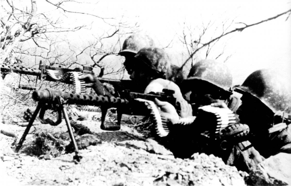 Soldados da FEB em ação no Monte Castelo Arquivo/Exército brasileiro