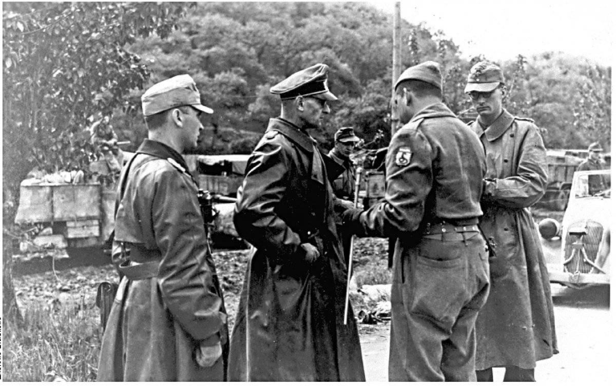 Oficial alemão se rende a brasileiros Arquivo/Exército brasileiro