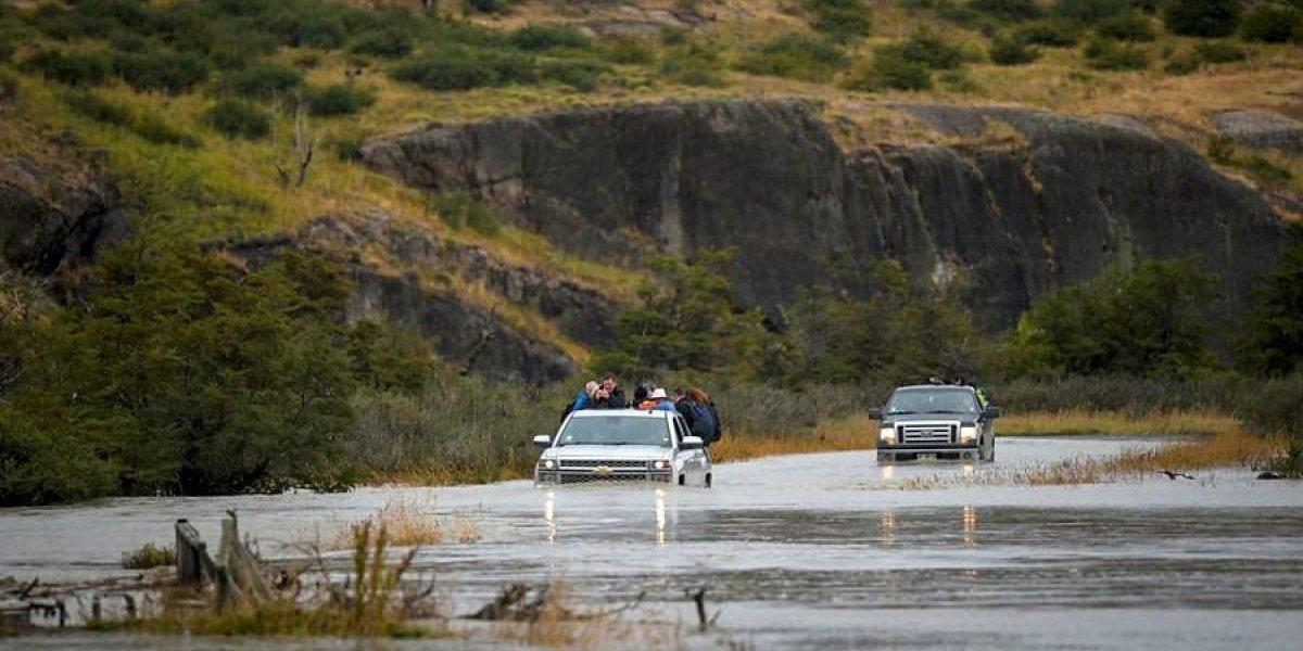 Onemi mantiene alerta roja en Torres del Paine por crecida de ríos