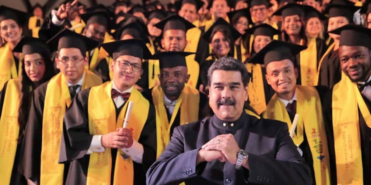 """""""Señor payaso autoproclamado, convoque a elecciones"""": así retó Nicolás Maduro a Juan Guaidó en Venezuela"""