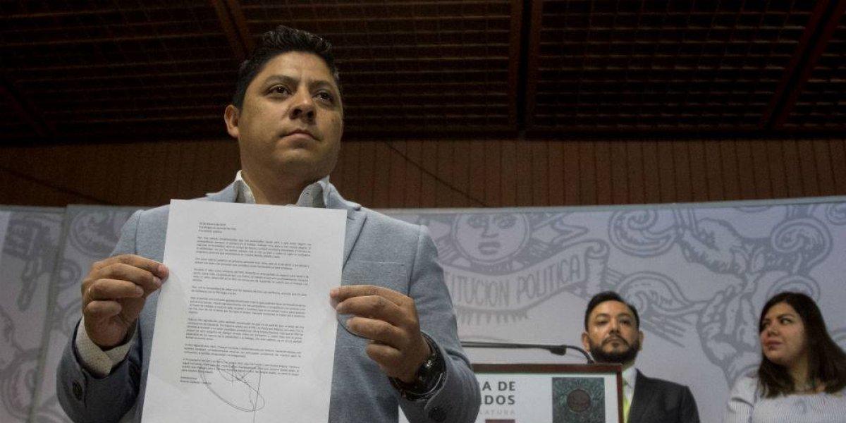 Se fractura PRD en San Lázaro con la renuncia de diputados