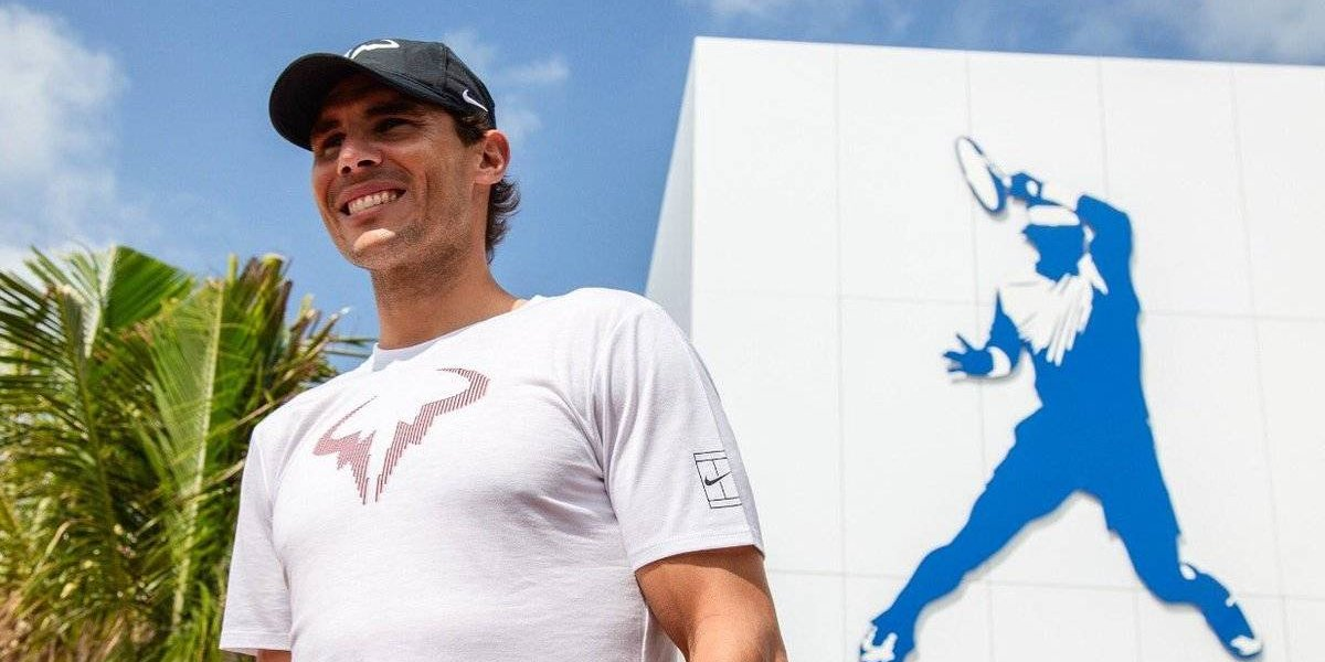 Rafael Nadal inaugura academia en México