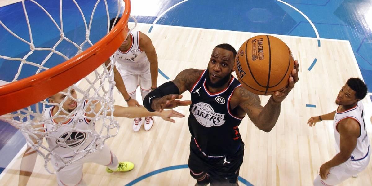 La lucha por los playoffs de la NBA se pone caliente