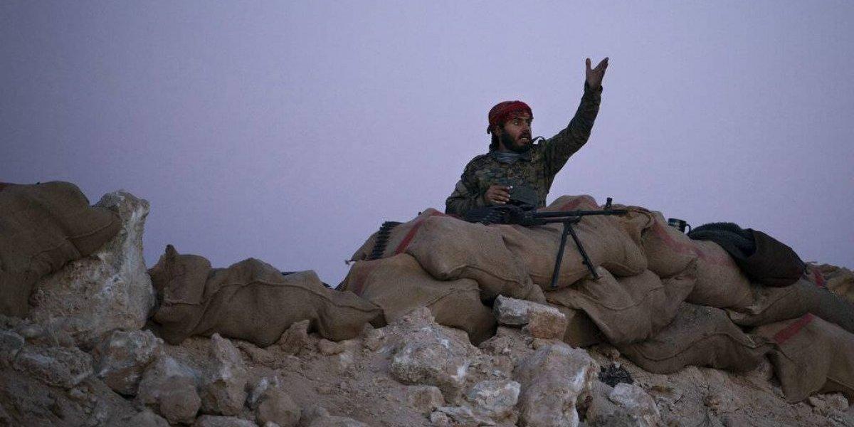 Civiles abandonan último feudo del Estado Islámico en Siria