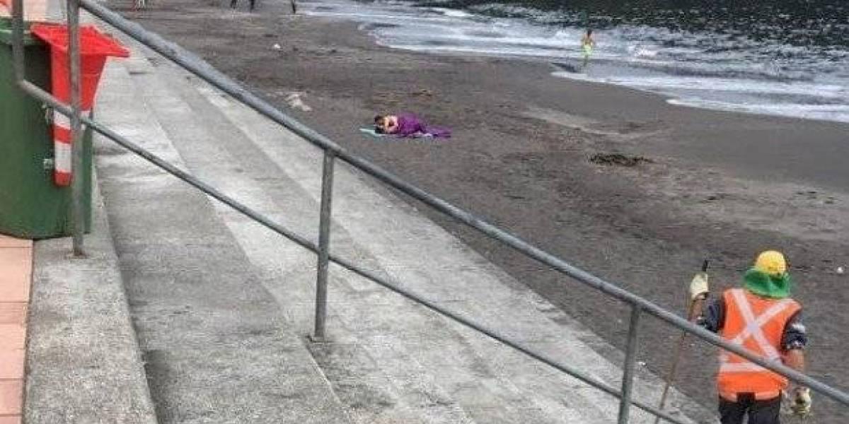 Captan a una pareja teniendo relaciones sexuales en playa de Chile