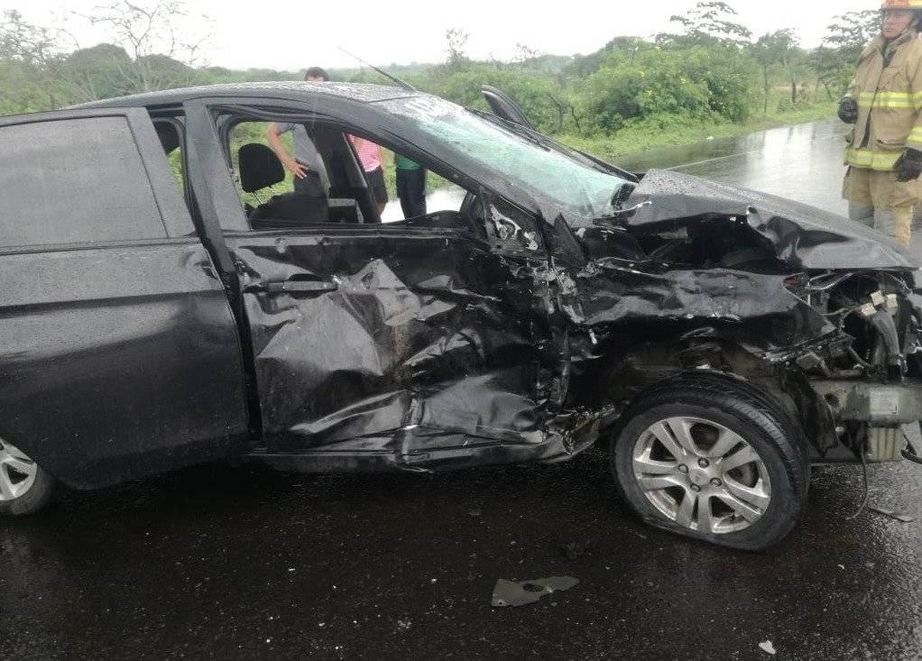 Auto de Pedro Perlaza tras accidente de tránsito