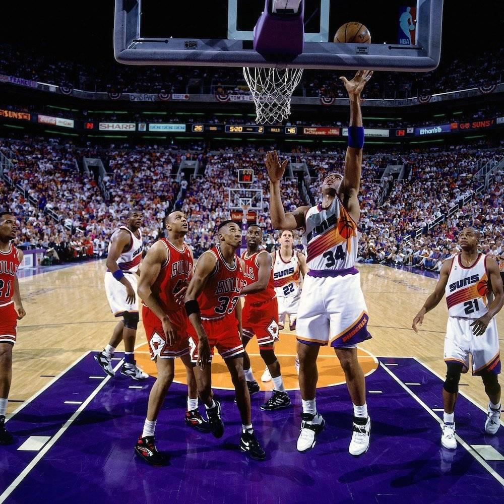Disputó una final de la NBA en 1993 pero cayó ante Michael Jordan y los Bulls de Chicago. / Getty Images