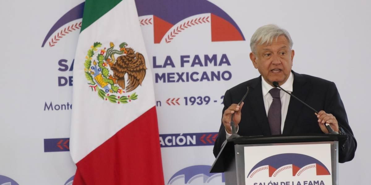 Reinaugura AMLO en Monterrey el Salón de la Fama del Beisbol