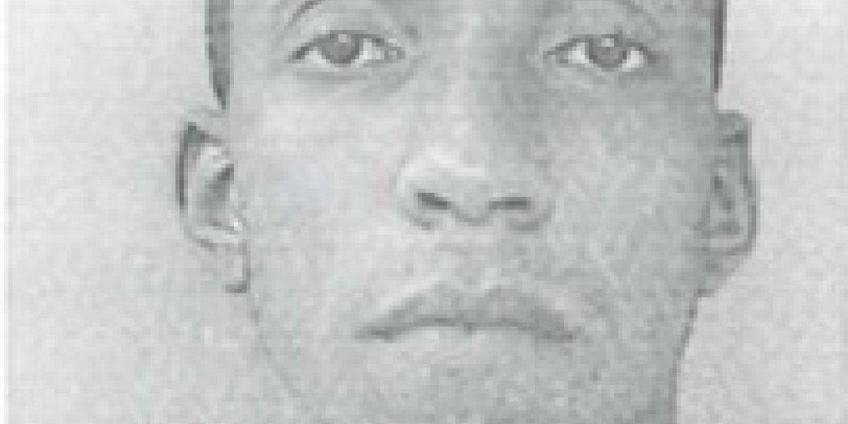 Acusan en ausencia a hombre por robar carro en Santurce