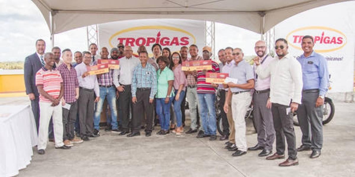 #TeVimosEn: Tropigas entrega premios a ganadores de promoción navideña