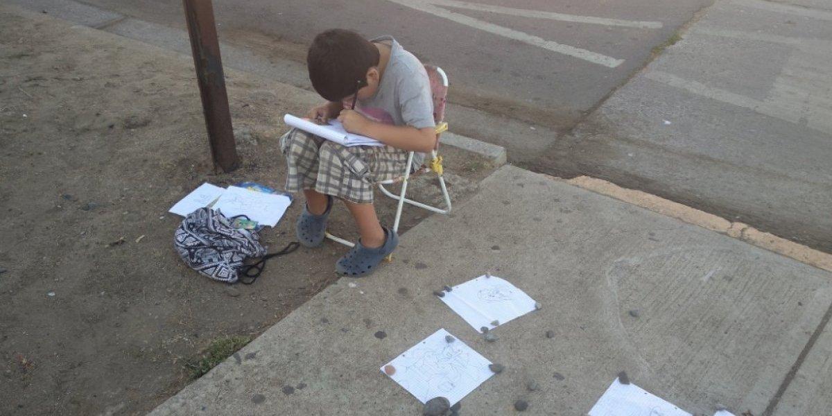 Era para juguetes, no para útiles: madre revela la verdadera motivación del niño dibujante que se robó el corazón de las redes sociales