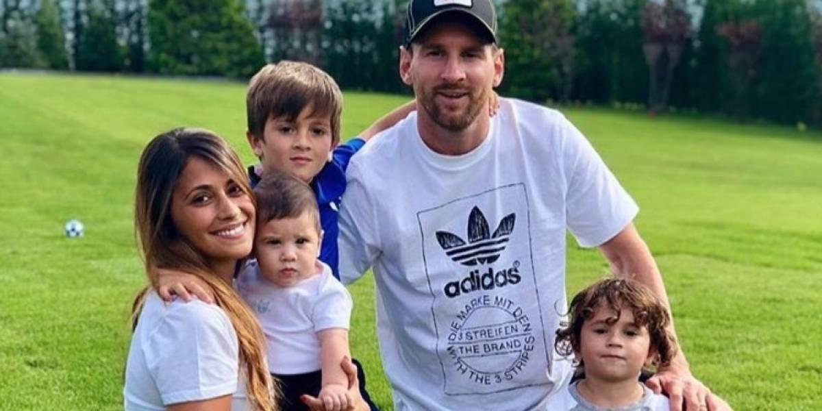"""Las fotos de Lionel Messi y Antonella Rocuzzo donde muestran ser una """"familia feliz"""""""