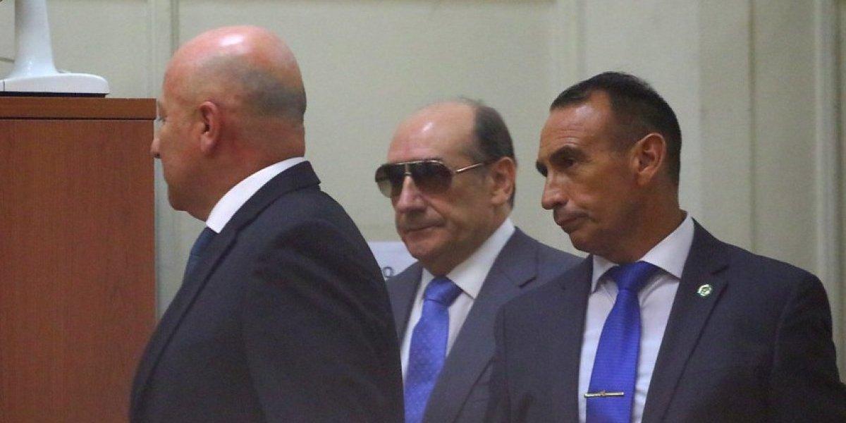 Fiscalía levanta secreto de investigación a Fuente-Alba por lavado de dinero