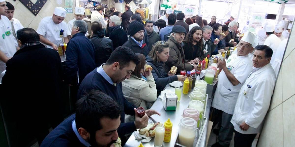 Chilenos algo más tentados: ventas de comida rápida crecen 5,8% en 2018