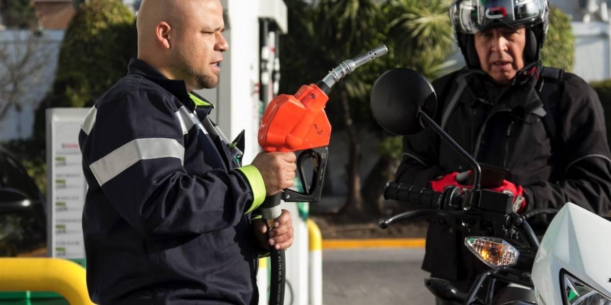 Gasolina y diésel 'rasguñan' 23 pesos tras combate al huachicol