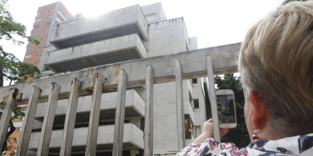Los últimos minutos del edificio Mónaco, uno de los símbolos de Pablo Escobar