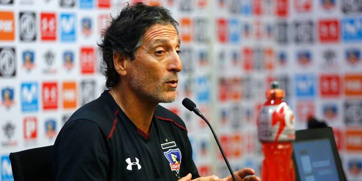 """Mario Salas exige a sus jugadores: """"Yo no le voy a regalar la camiseta de Colo Colo a nadie"""""""