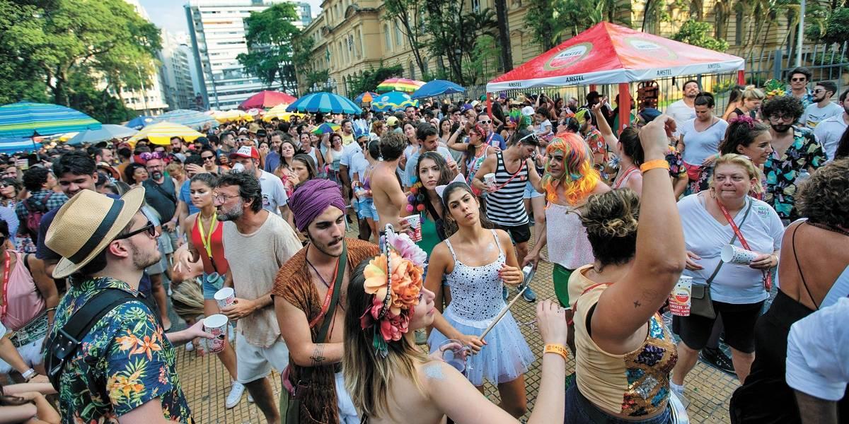 Carnaval de rua: São Paulo faz chamamento para venda de alimentos nos blocos