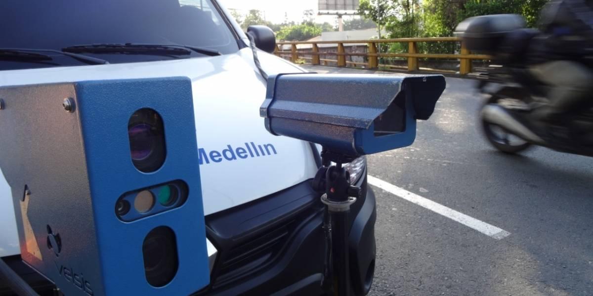 Inició la operación del vehículo de fotomultas en Medellín