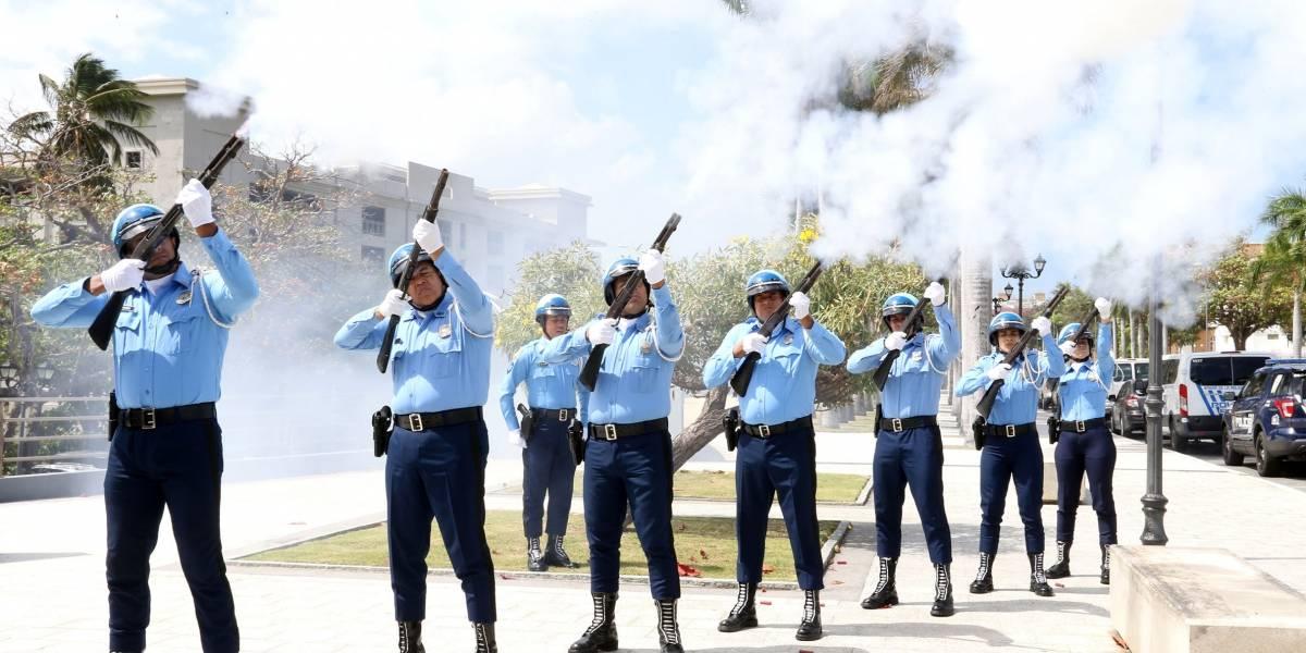 Asamblea Legislativa honra a policías caídos en el cumplimiento del deber