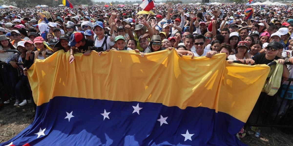 Cuatro miembros de la Guardia de Venezuela desertan ante presión de Guaidó
