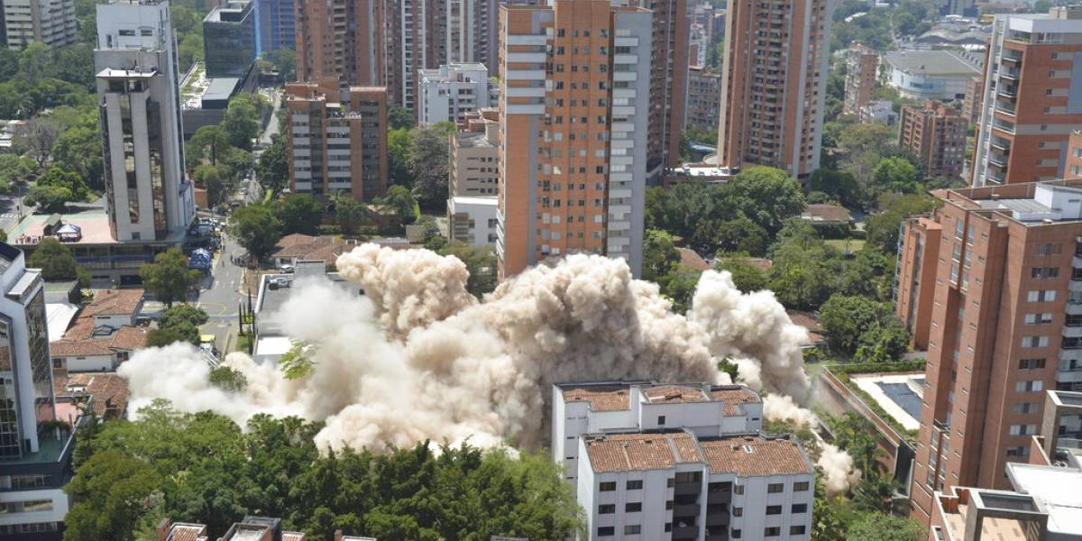 Demuelen edificio Mónaco en Colombia; ex fortaleza de Pablo Escobar