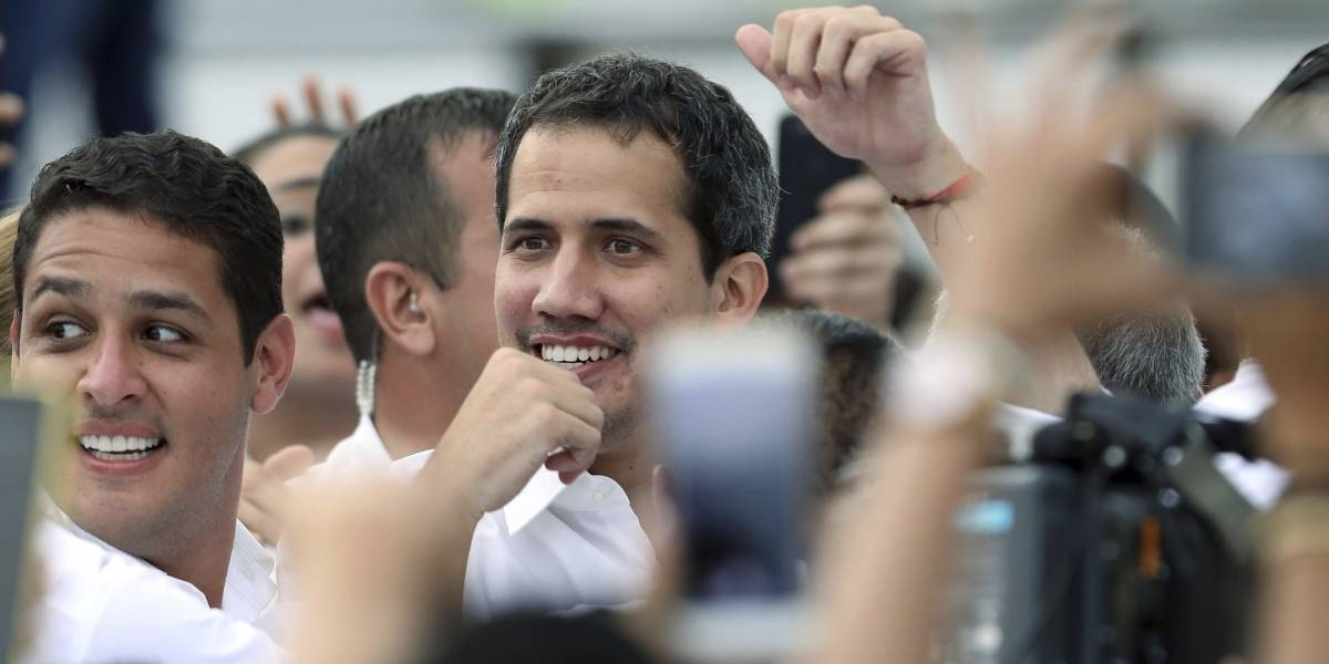 Gobierno de Venezuela debate retirar inmunidad a Juan Guaidó