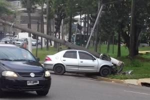 https://www.metrojornal.com.br/foco/2019/02/22/motorista-bate-em-poste-terminal-sao-mateus-transito-lento-na-regiao.html