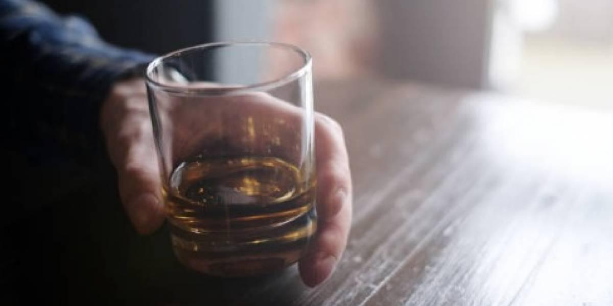 Mueren 50 personas por alcohol adulterado