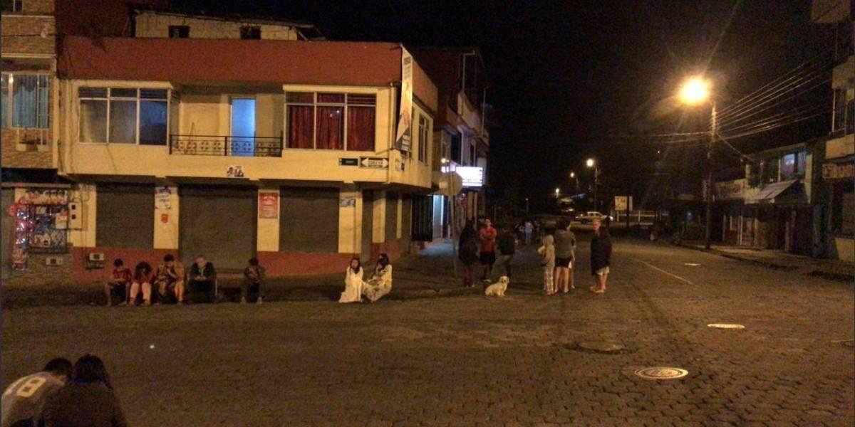 Sismo de 7.5 grados impacta en el sur de Ecuador