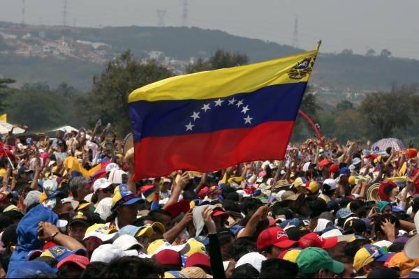 Muerte empaña día por la ayuda humanitaria de Venezuela