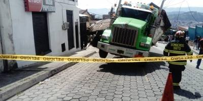 Quito: Accidente de tránsito en el sector La Primavera