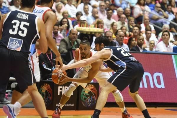 Gian Clavell - Selección baloncesto PR