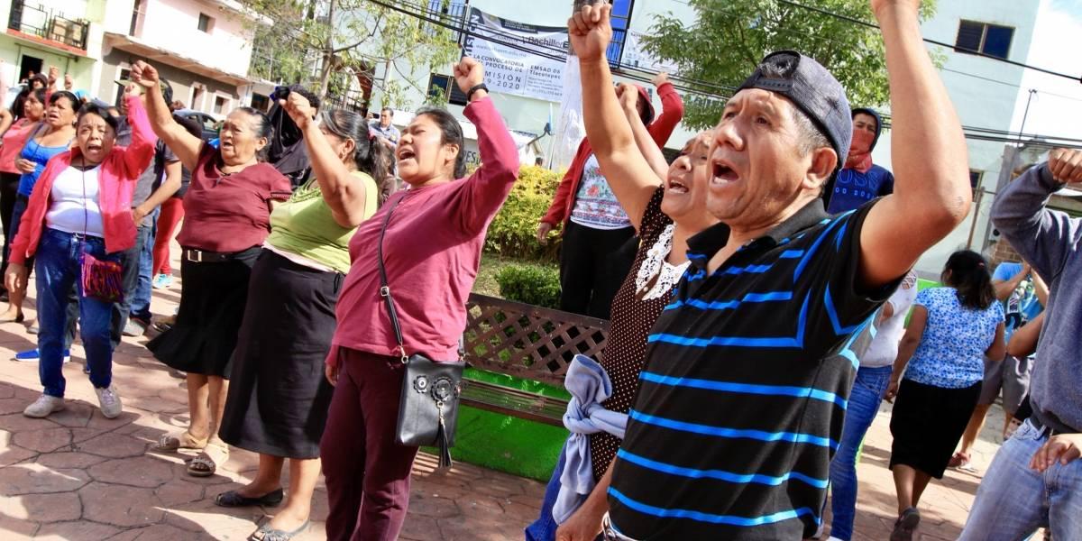 Activistas queman urnas en la consulta sobre termoeléctrica en Morelos
