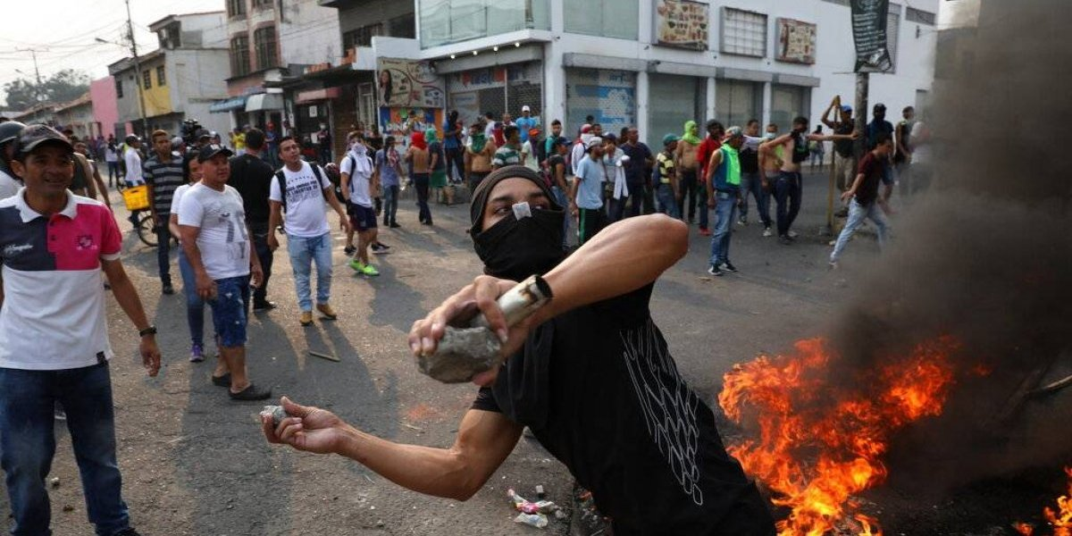 Gobierno colombiano confirma saldo de al menos 285 heridos tras enfrentamientos en frontera con Venezuela