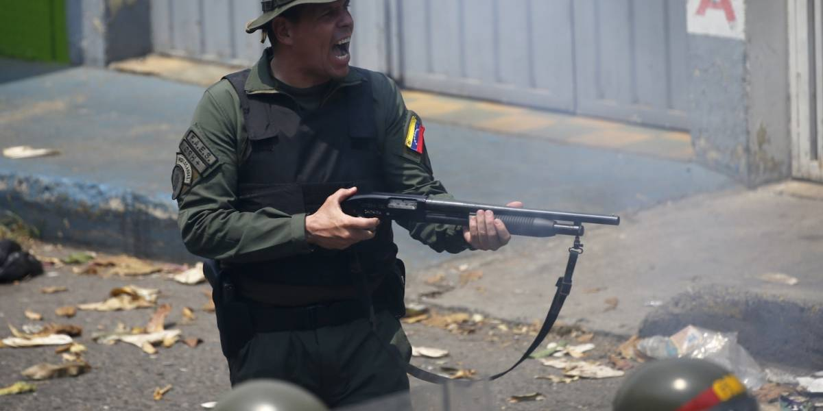 Crisis en Venezuela: violencia en las fronteras, ingreso de ayuda y deserción militar