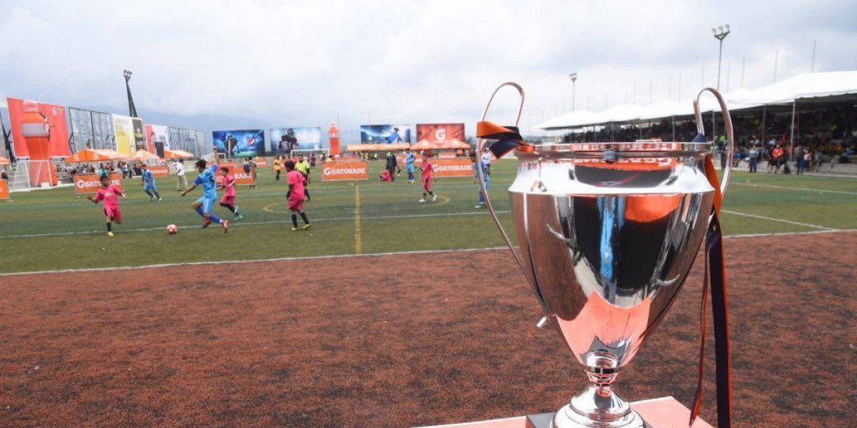 Guatemaltecos inician eliminatoria para asistir a final de la Champions League