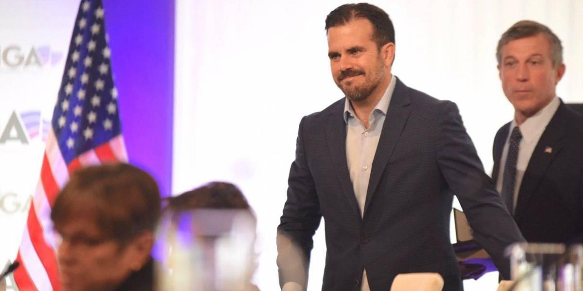 Gobernador Rosselló se va para España