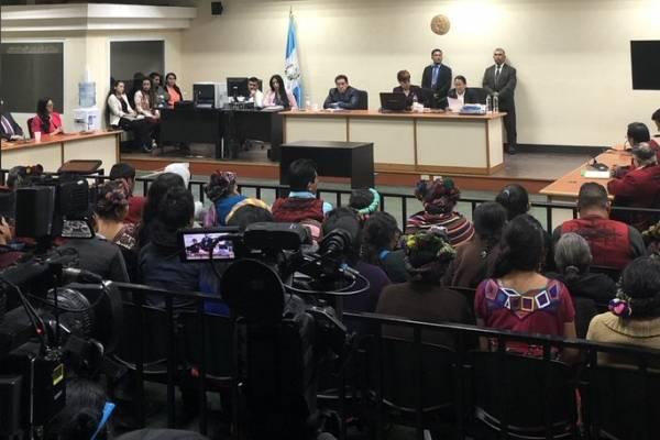 En el informe de la CEH se relatan varios hechos del genocidio en el Triángulo Ixil.