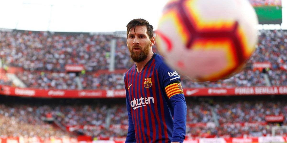 Barcelona reduz salários de jogadores em 70%
